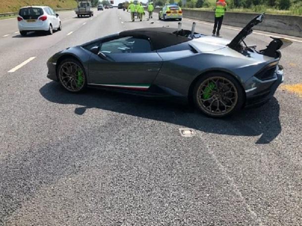 Британец разбил Lamborghini через 20 минут после покупки 1