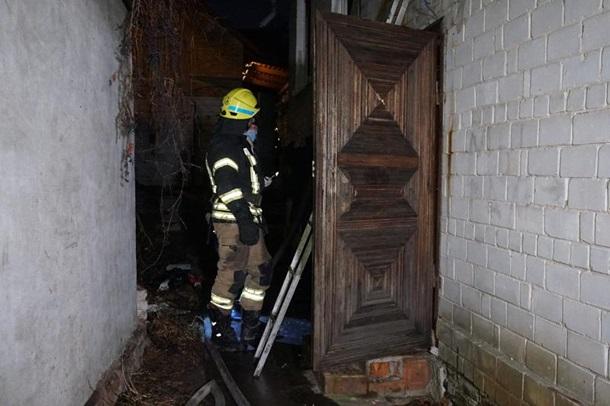 В Днепре произошел пожар в частном доме, есть жертвы 1