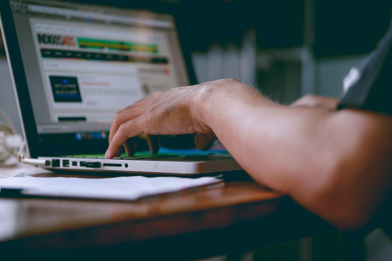 Представители IT-отрасли критикуют предложенную Минцифры форму трудоустройства IT-специалистов — новости 1