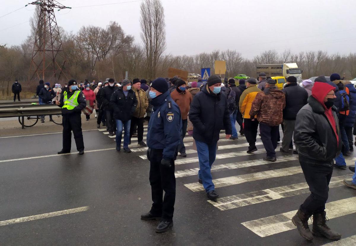 Правопорядок на месте обеспечивают полицейские / фото Нацполиция2