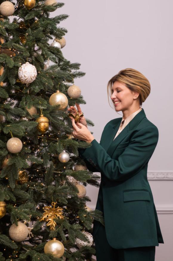 Зеленская поздравила всех с Новым годом / фото facebook.com/olenazelenska.official1